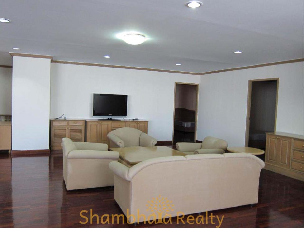 Shambhala Realty Agency's D.S. Tower 2 Sukhumvit 39 Condominium for Rent in Sukhumvit 39 3