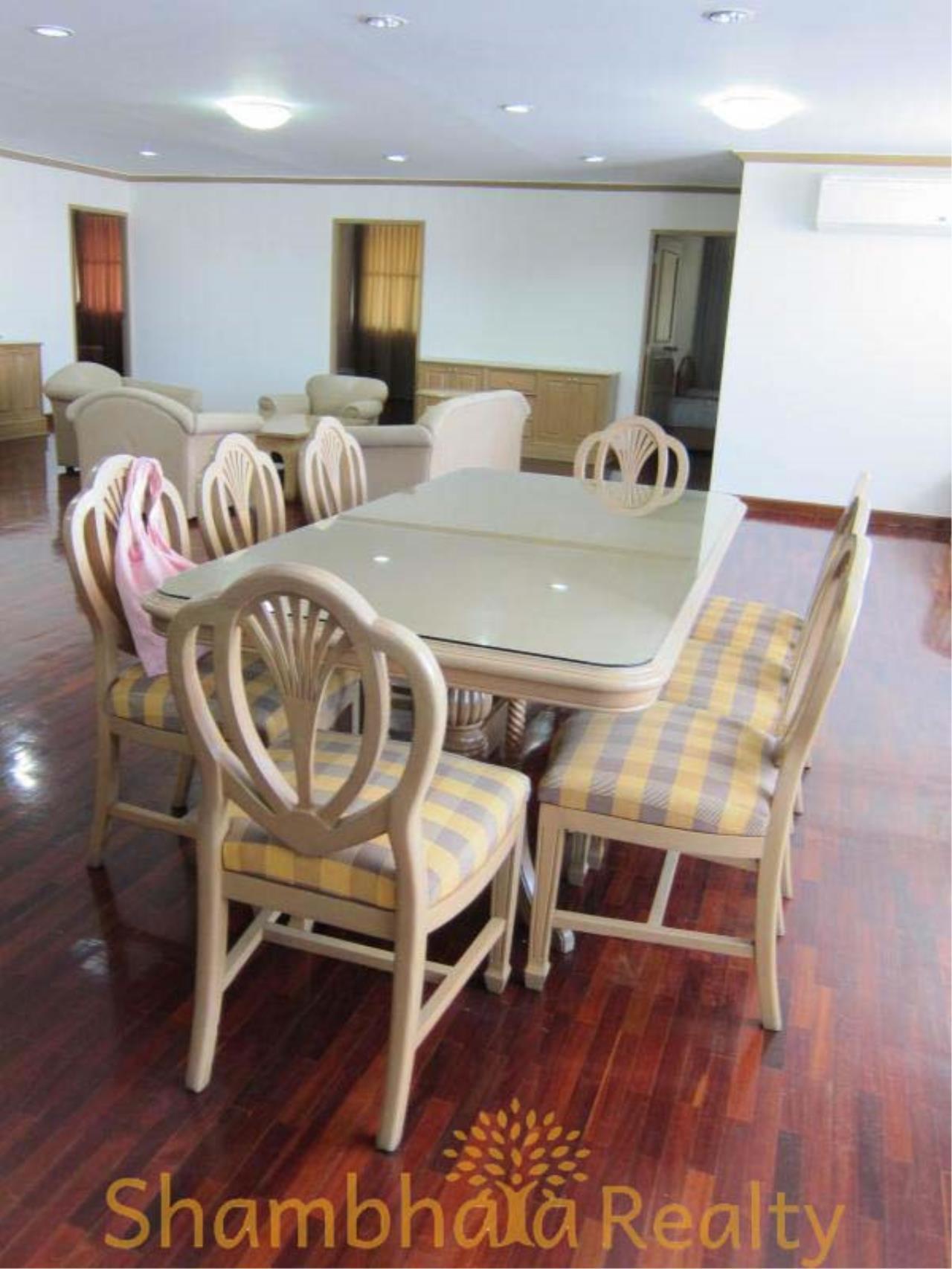 Shambhala Realty Agency's D.S. Tower 2 Sukhumvit 39 Condominium for Rent in Sukhumvit 39 1