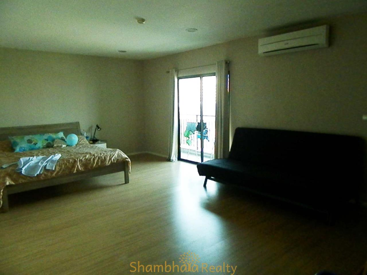 Shambhala Realty Agency's Renova Residence Chidlom Condominium for Rent 5