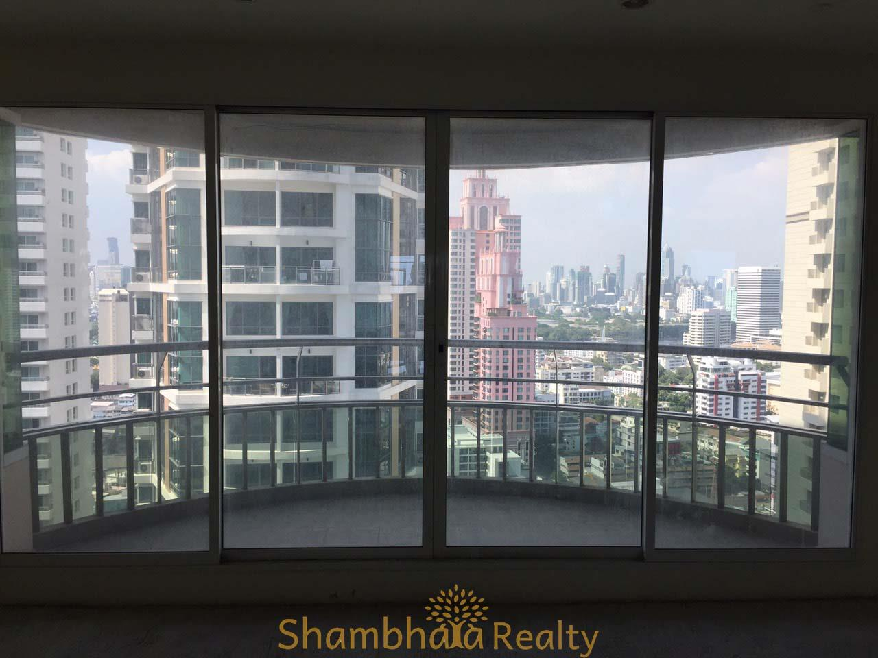 Shambhala Realty Agency's Ideal 24 Condominium for Sale in Sukhumvit 24 1