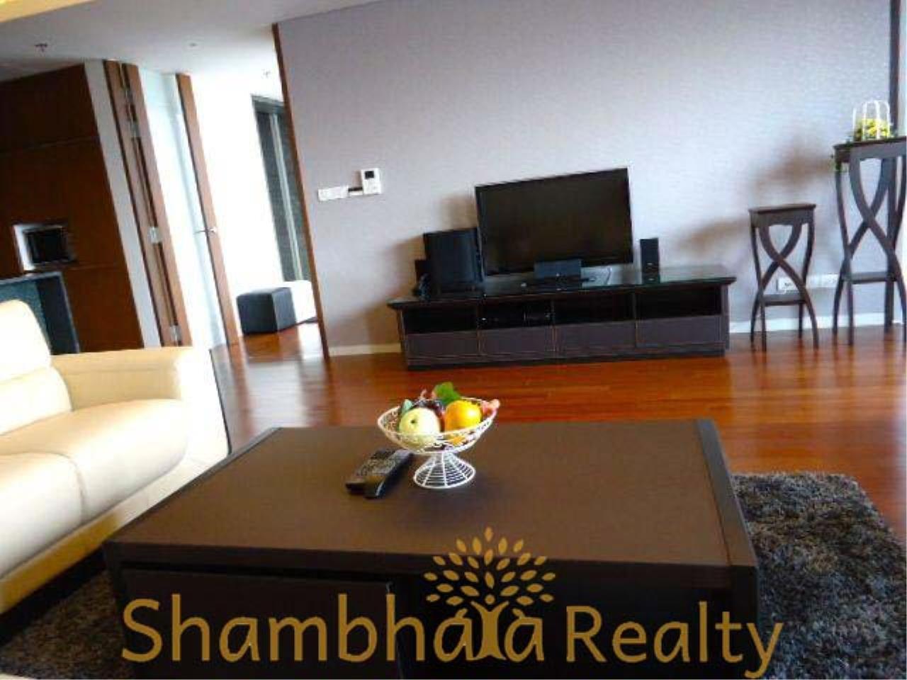 Shambhala Realty Agency's Hansar Rajdamri Condominium for Rent 13