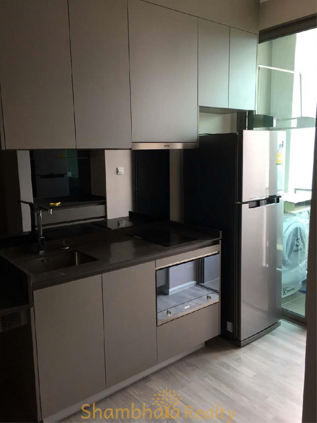 Shambhala Realty Agency's The Room Sukhumvit 69 Condominium for Rent in Sukhumvit 69 1