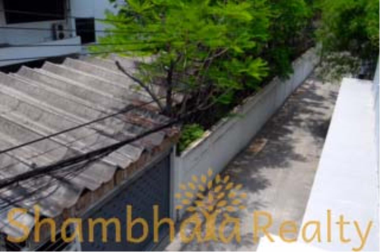 Shambhala Realty Agency's House for Sale Condominium for Sale in Sukhumvit 34 2