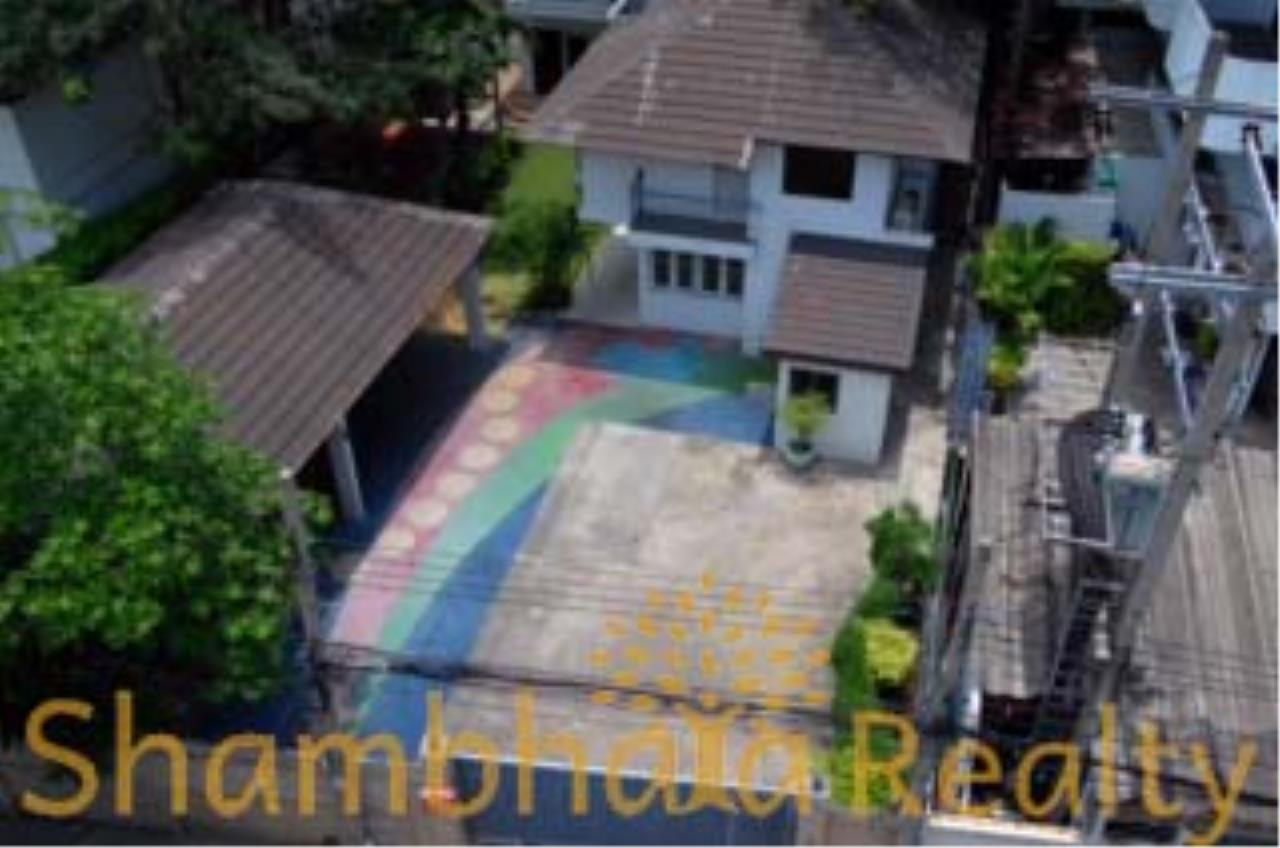 Shambhala Realty Agency's House for Sale Condominium for Sale in Sukhumvit 34 1
