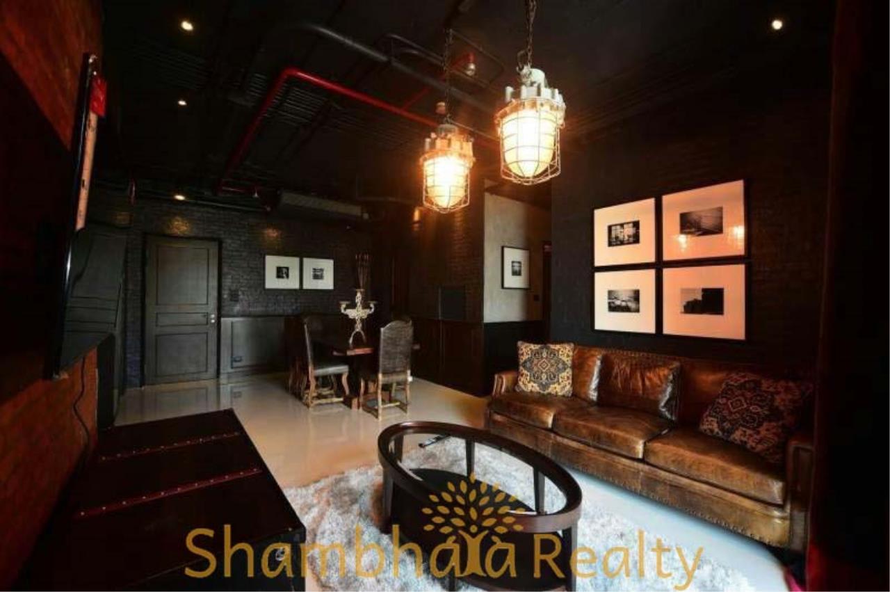 Shambhala Realty Agency's Aguston Sukhumvit 22 Condominium for Rent 3