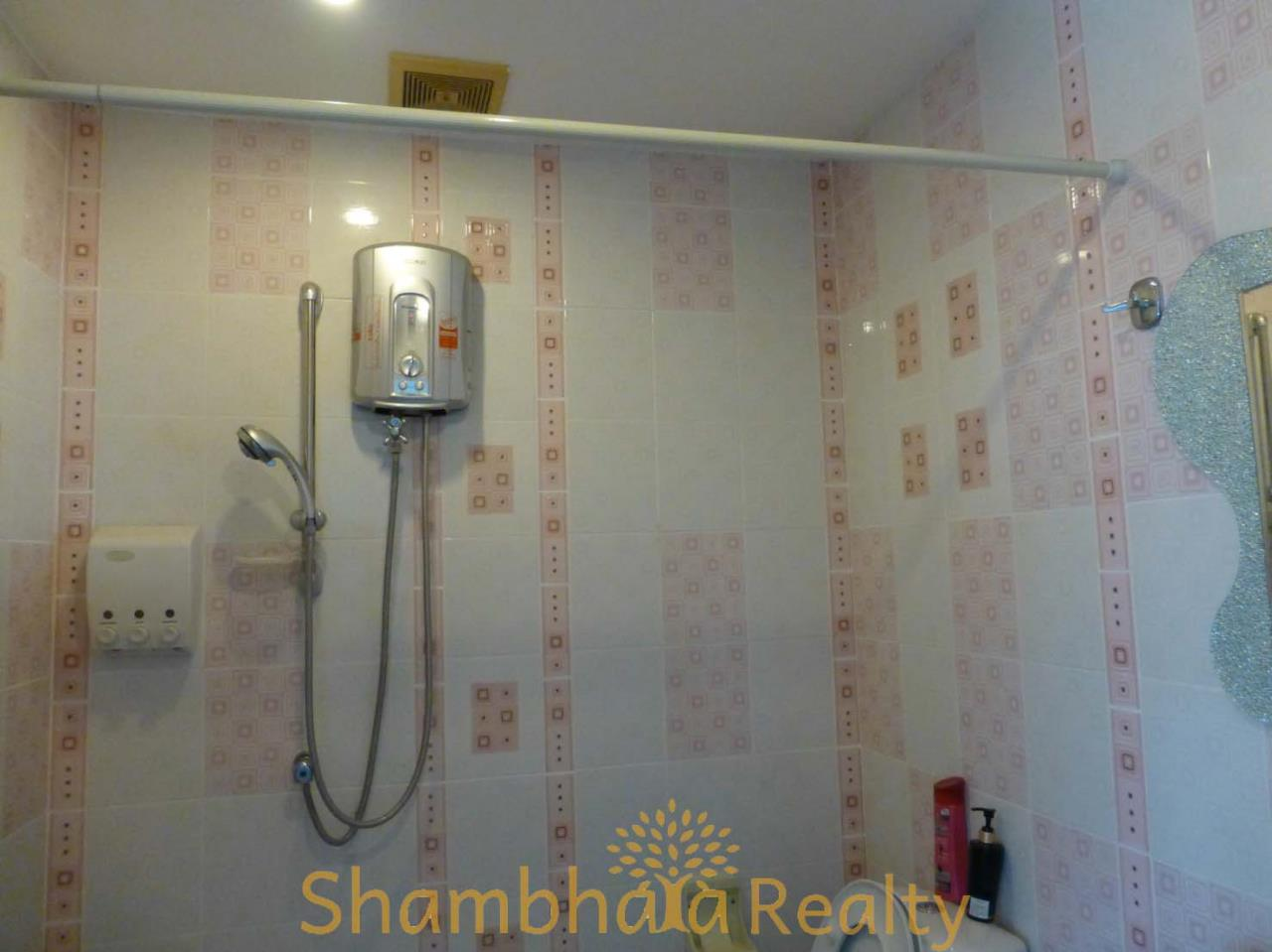 Shambhala Realty Agency's Royal Castle Pattanakarn Condominium for Sale in Phatthanakan 30 7