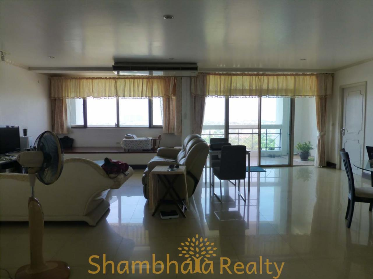 Shambhala Realty Agency's Royal Castle Pattanakarn Condominium for Sale in Phatthanakan 30 3