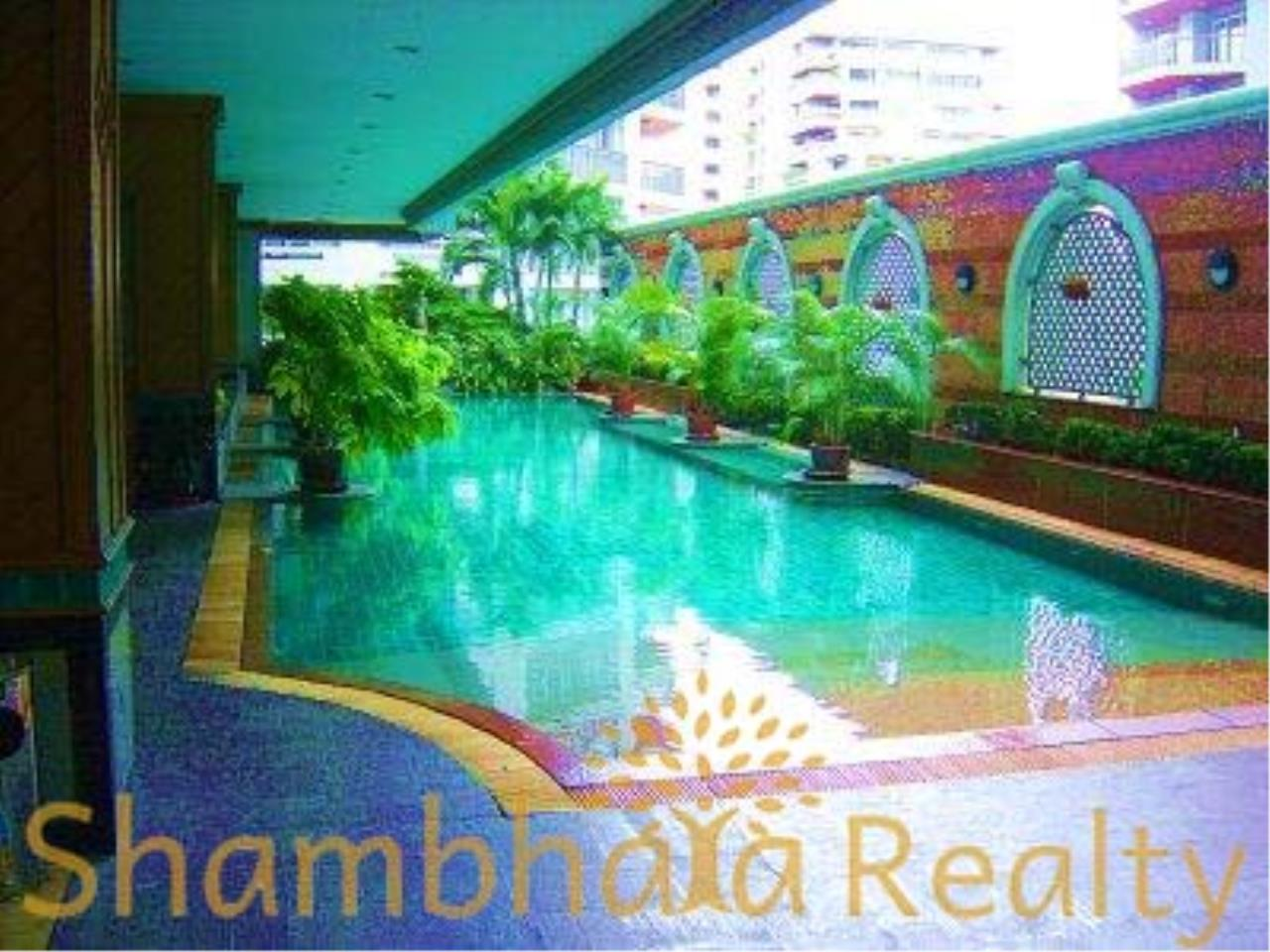 Shambhala Realty Agency's Asoke Place Condominium for Rent in Sukhumvit 21 5