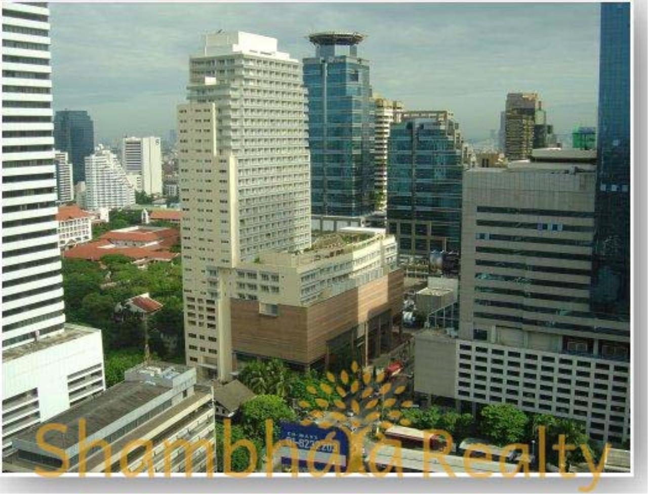 Shambhala Realty Agency's Asoke Place Condominium for Rent in Sukhumvit 21 7