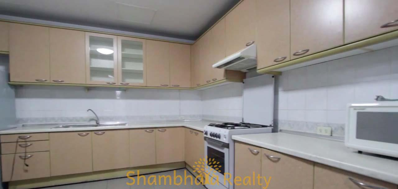 Shambhala Realty Agency's Apartment For Rent Condominium for Rent in Sukhumvit 24 2