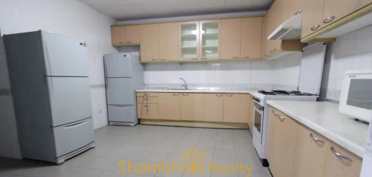 Shambhala Realty Agency's Apartment For Rent Condominium for Rent in Sukhumvit 24 4