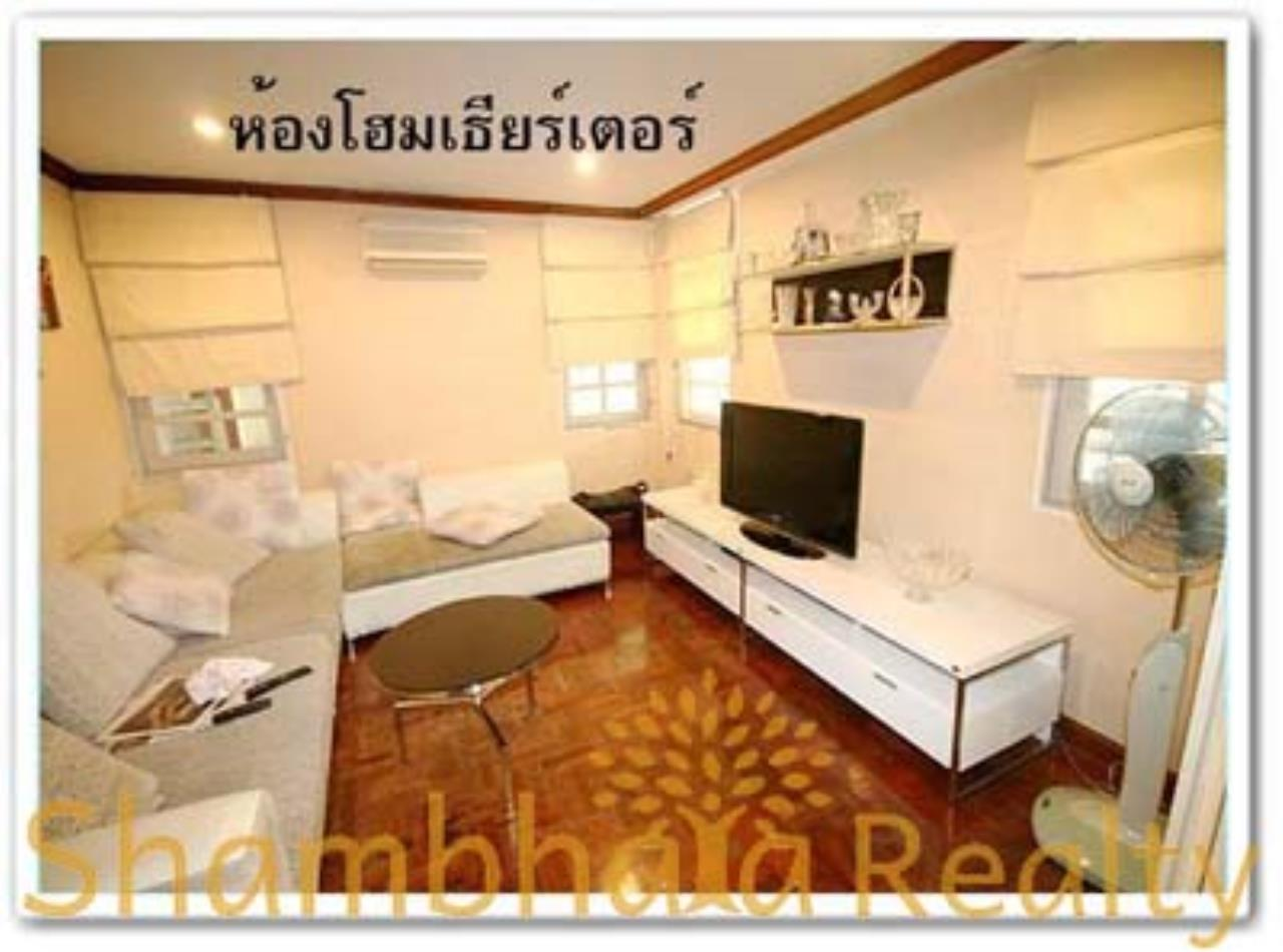 Shambhala Realty Agency's House for Rent: Boo Baan Ari Condominium for Rent in Sukhumvit 26 3