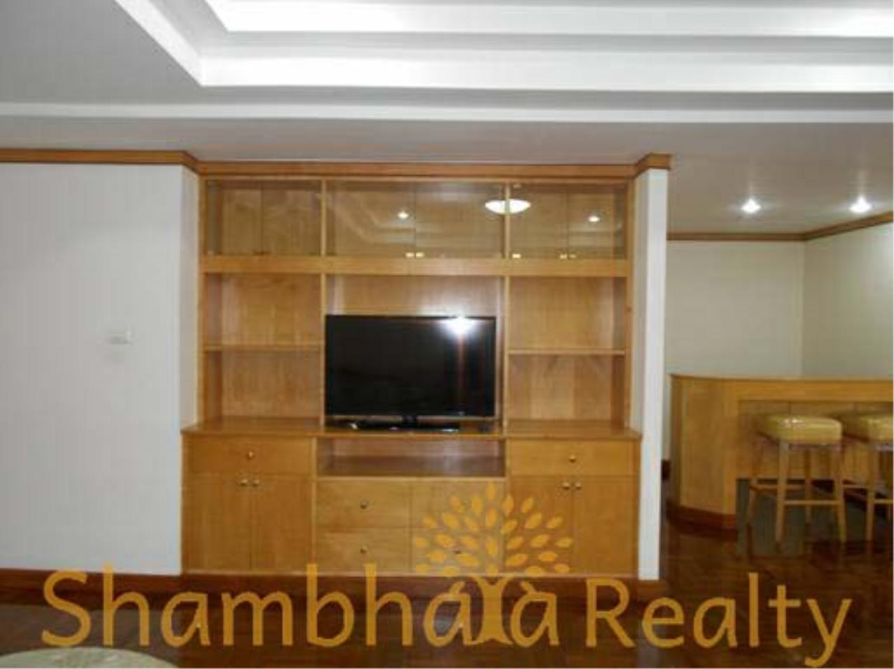 Shambhala Realty Agency's Apartment For Rent Condominium for Rent in Sukhuvmit 24 11