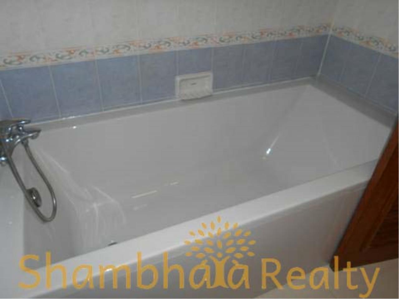 Shambhala Realty Agency's Apartment For Rent Condominium for Rent in Sukhuvmit 24 1