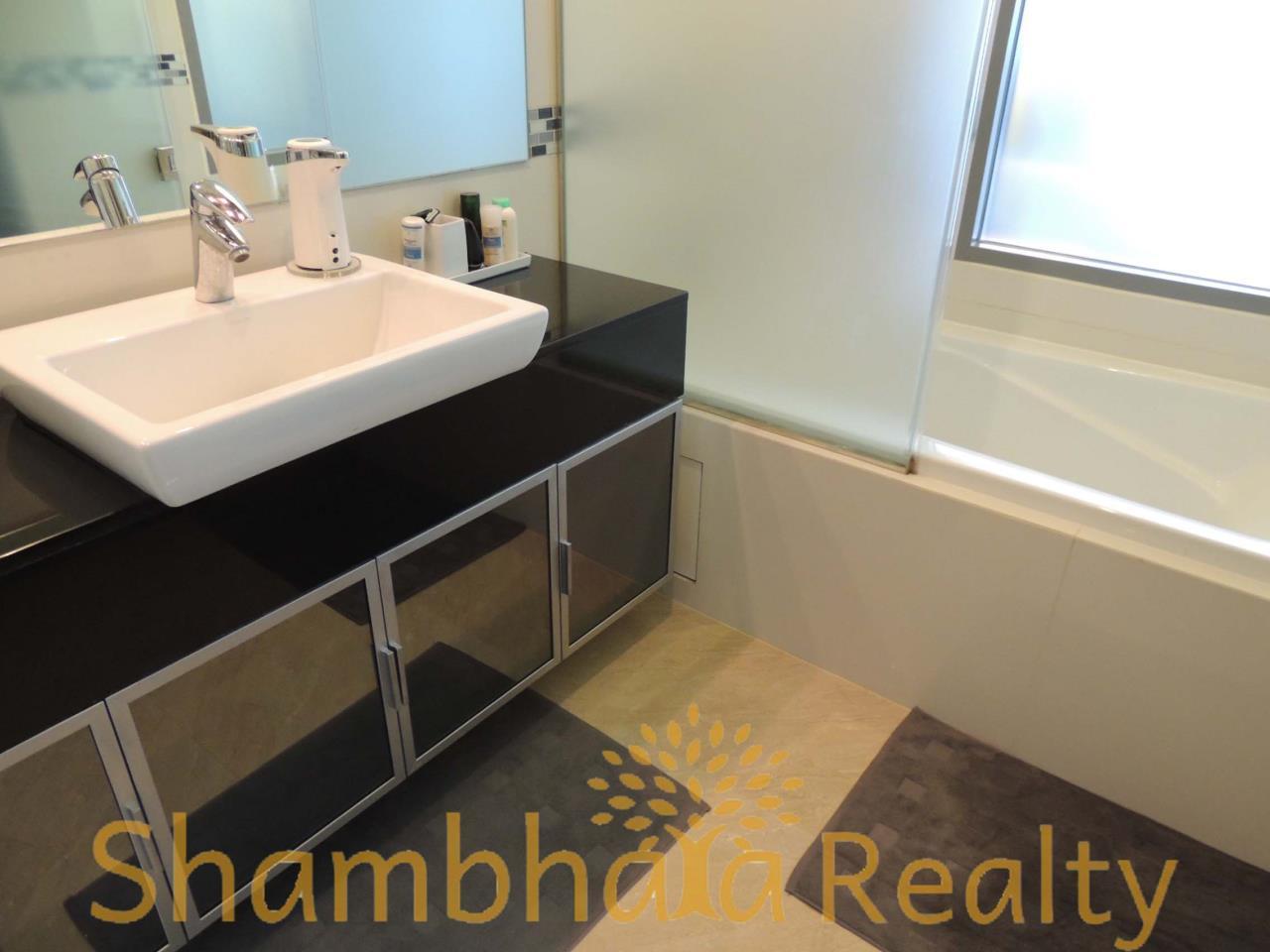 Shambhala Realty Agency's Ideo Q Phayathai Condominium for Rent in Phayathai 2