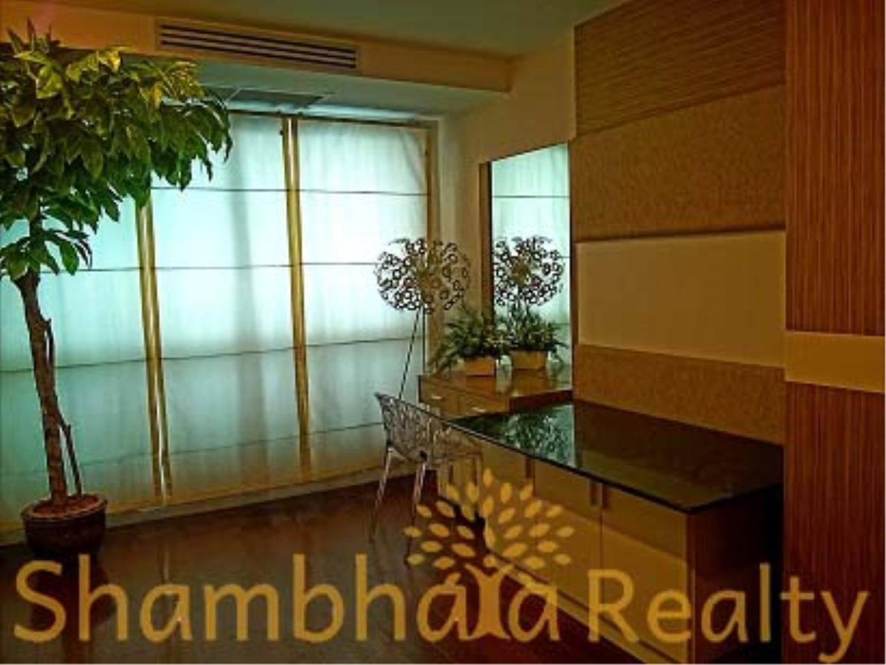 Shambhala Realty Agency's Baan Thanon Sarasin Condominium for Rent in Ratchdamri 4