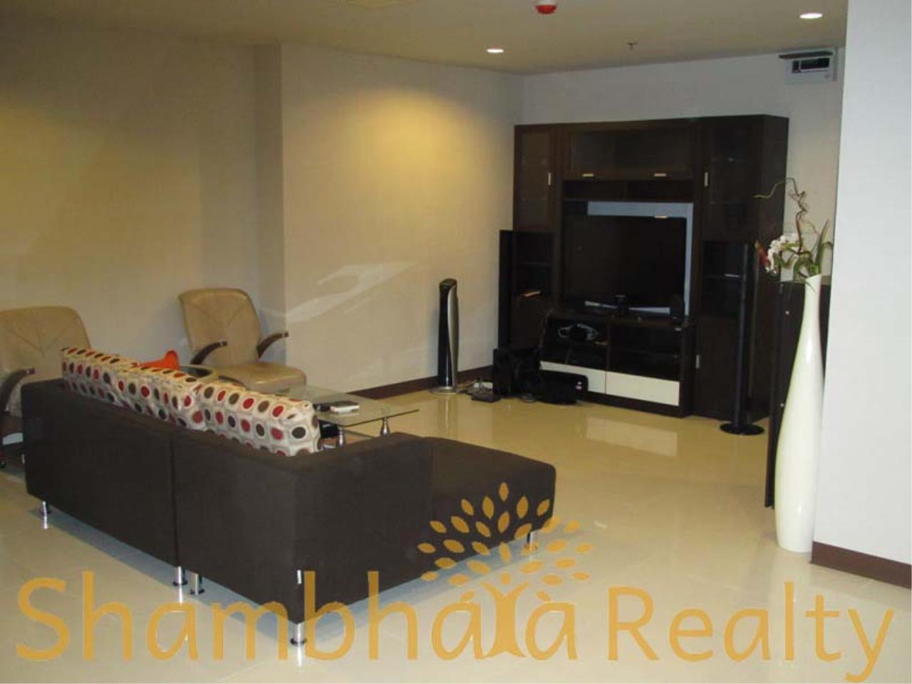 Shambhala Realty Agency's Sukhumvit Living Town Condominium for Sale in Sukhumvit 21 4