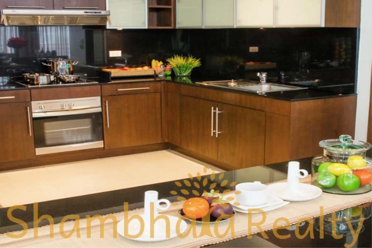 Shambhala Realty Agency's Royal Residence Park Condominium for Rent in Langsuan 6
