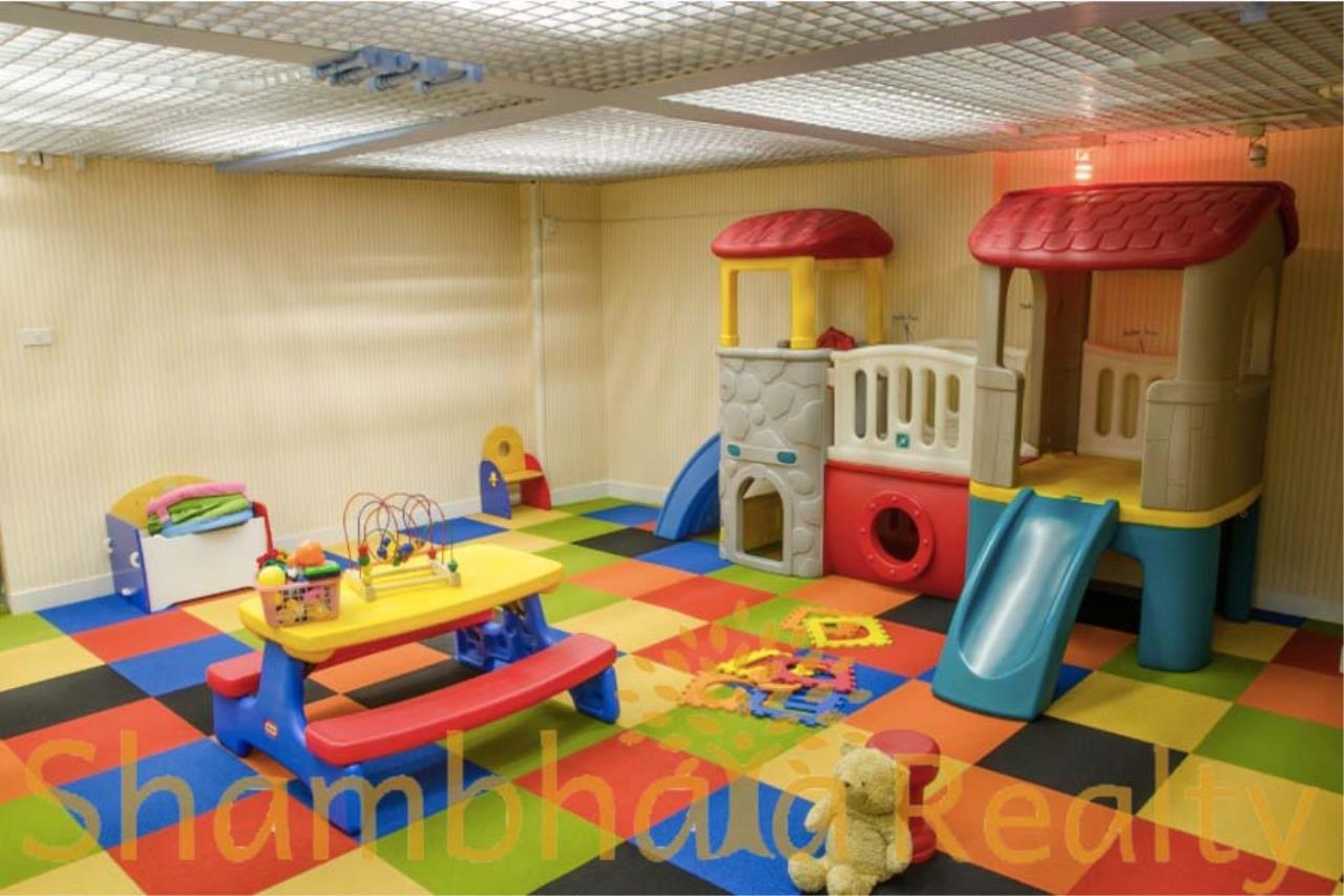 Shambhala Realty Agency's Royal Residence Park Condominium for Rent in Langsuan 8