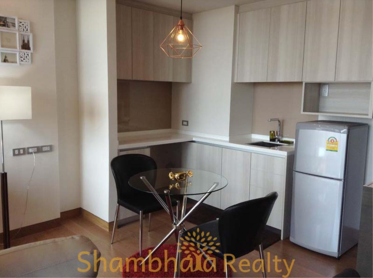 Shambhala Realty Agency's The Lumpini 24 Condominium for Rent in Sukhumvit 24 12