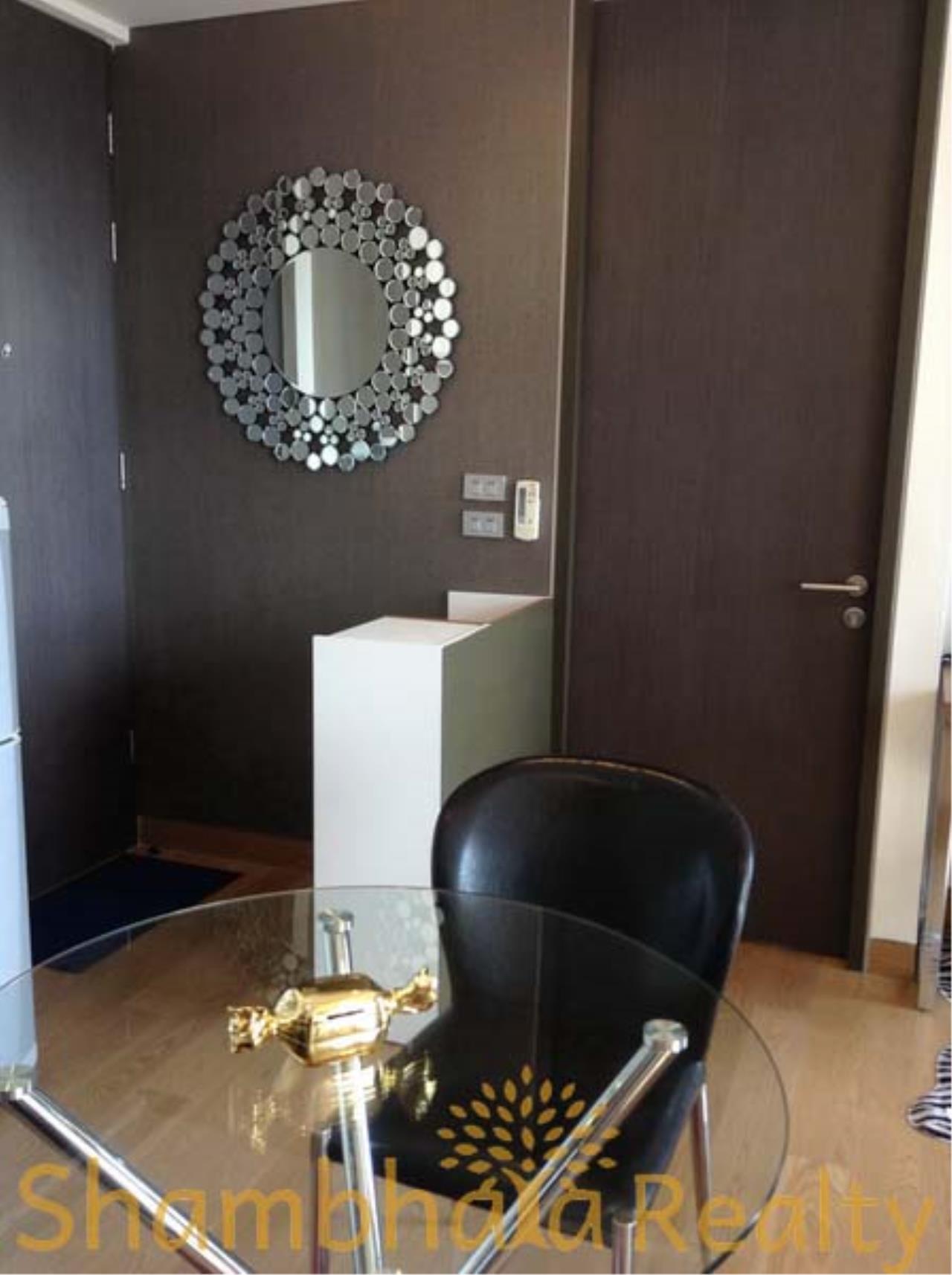 Shambhala Realty Agency's The Lumpini 24 Condominium for Rent in Sukhumvit 24 1