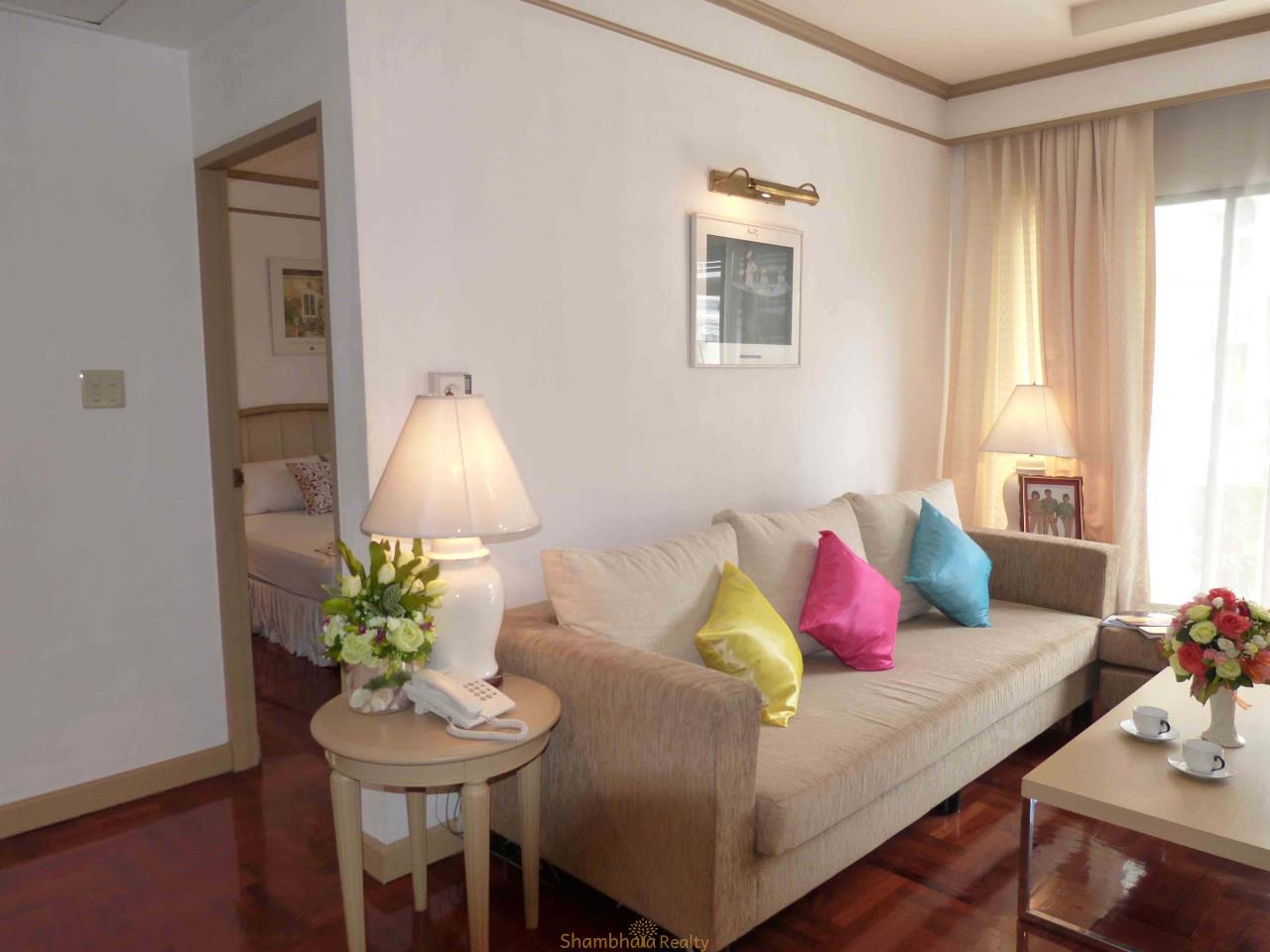 Shambhala Realty Agency's Apartment For Rent Condominium for Rent in Langsuan. BTS Chit lom 4