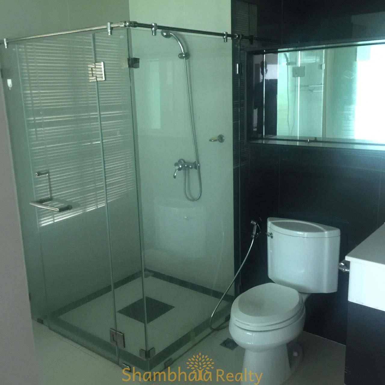 Shambhala Realty Agency's The Address Chidlom Condominium for Rent in Somkid 7