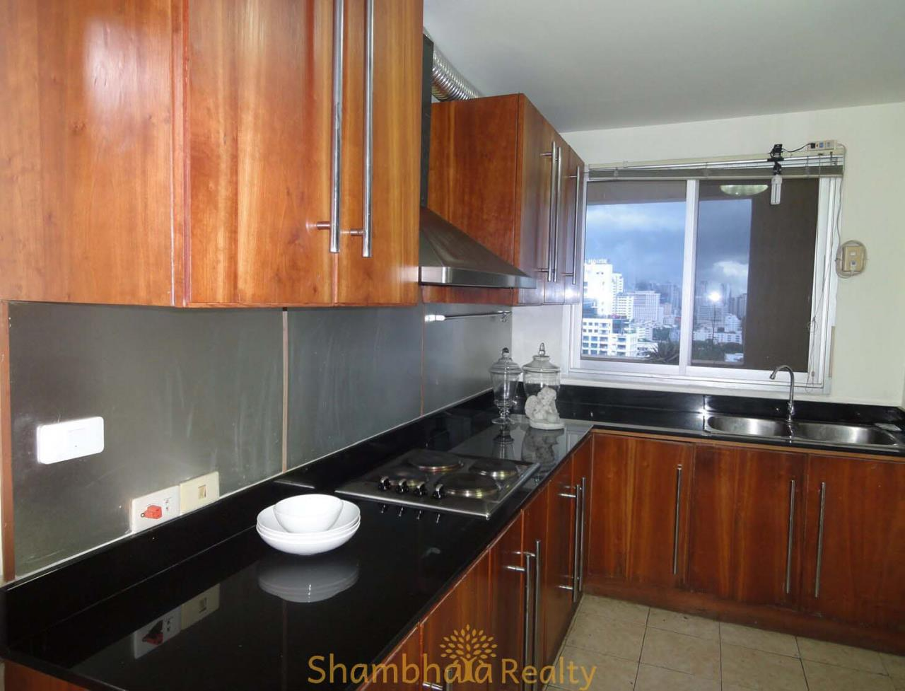 Shambhala Realty Agency's Royal Castle Condominium for Rent in Sukhumvit 39 4