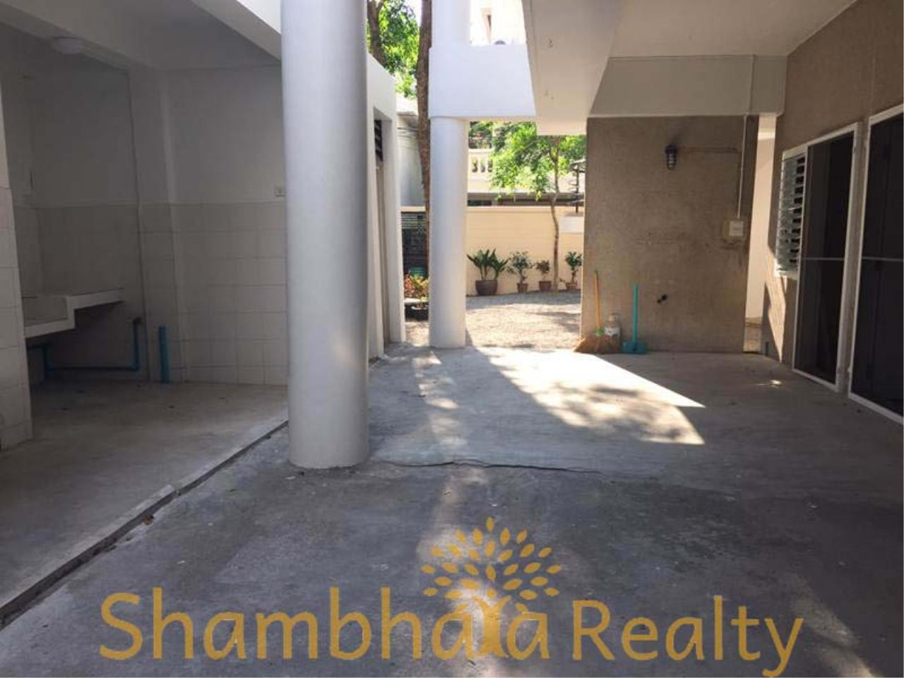 Shambhala Realty Agency's House For Rent Condominium for Rent in Sukhumvit 31 7