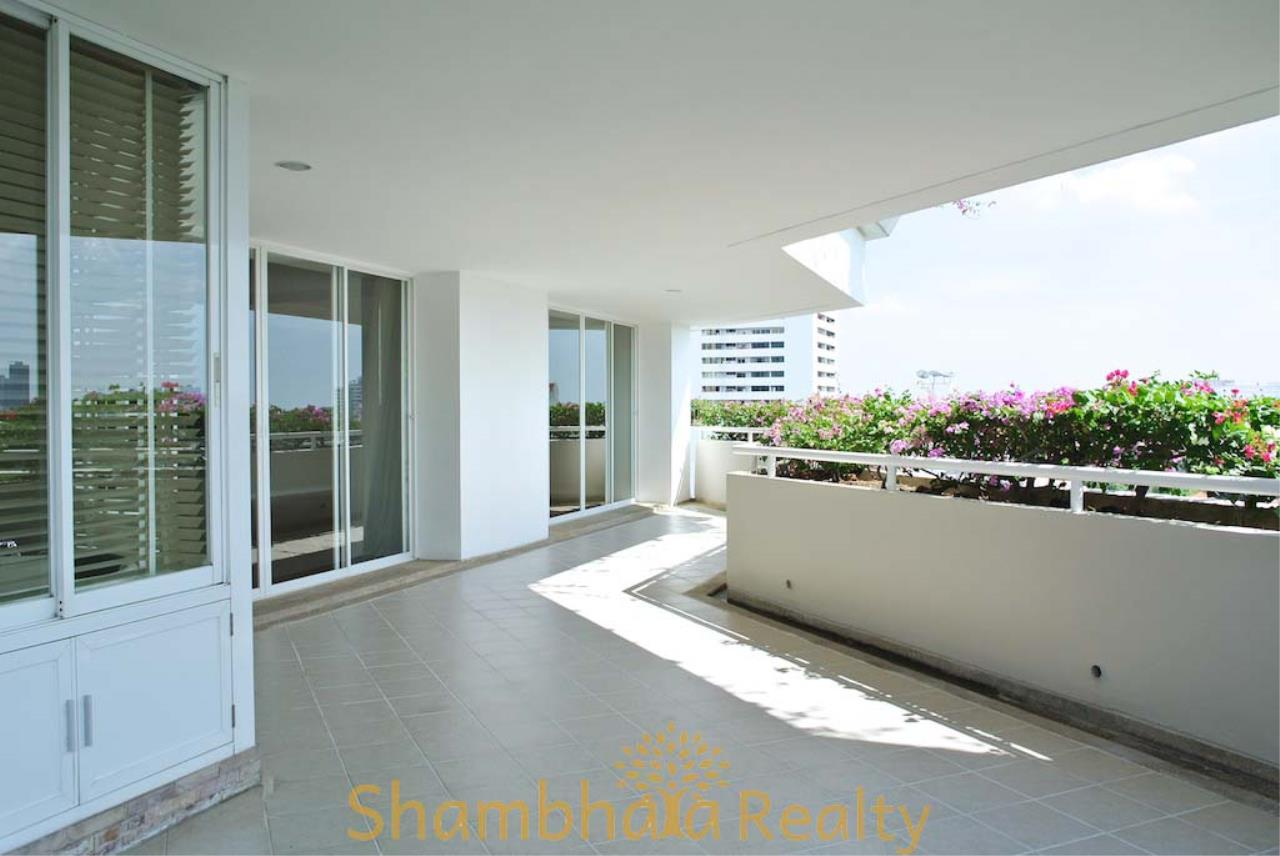 Shambhala Realty Agency's La Cascade Condominium for Rent in Ekkamai 10 19