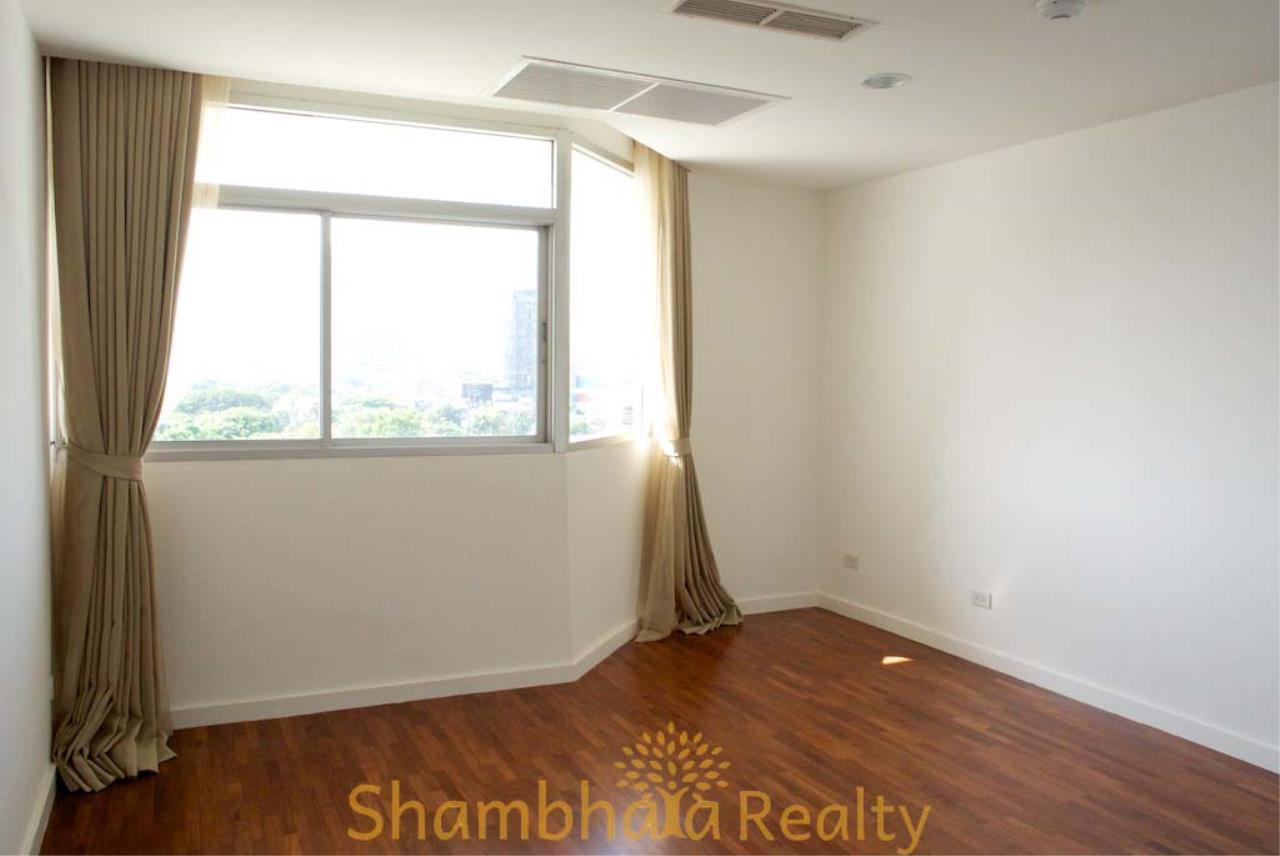 Shambhala Realty Agency's La Cascade Condominium for Rent in Ekkamai 10 10