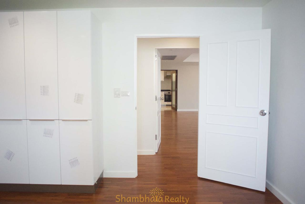 Shambhala Realty Agency's La Cascade Condominium for Rent in Ekkamai 10 17