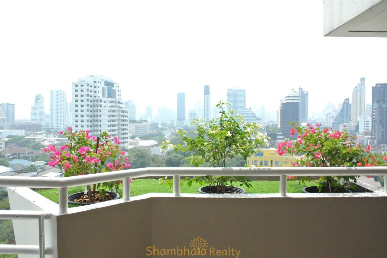 Shambhala Realty Agency's La Cascade Condominium for Rent in Ekkamai 10 1