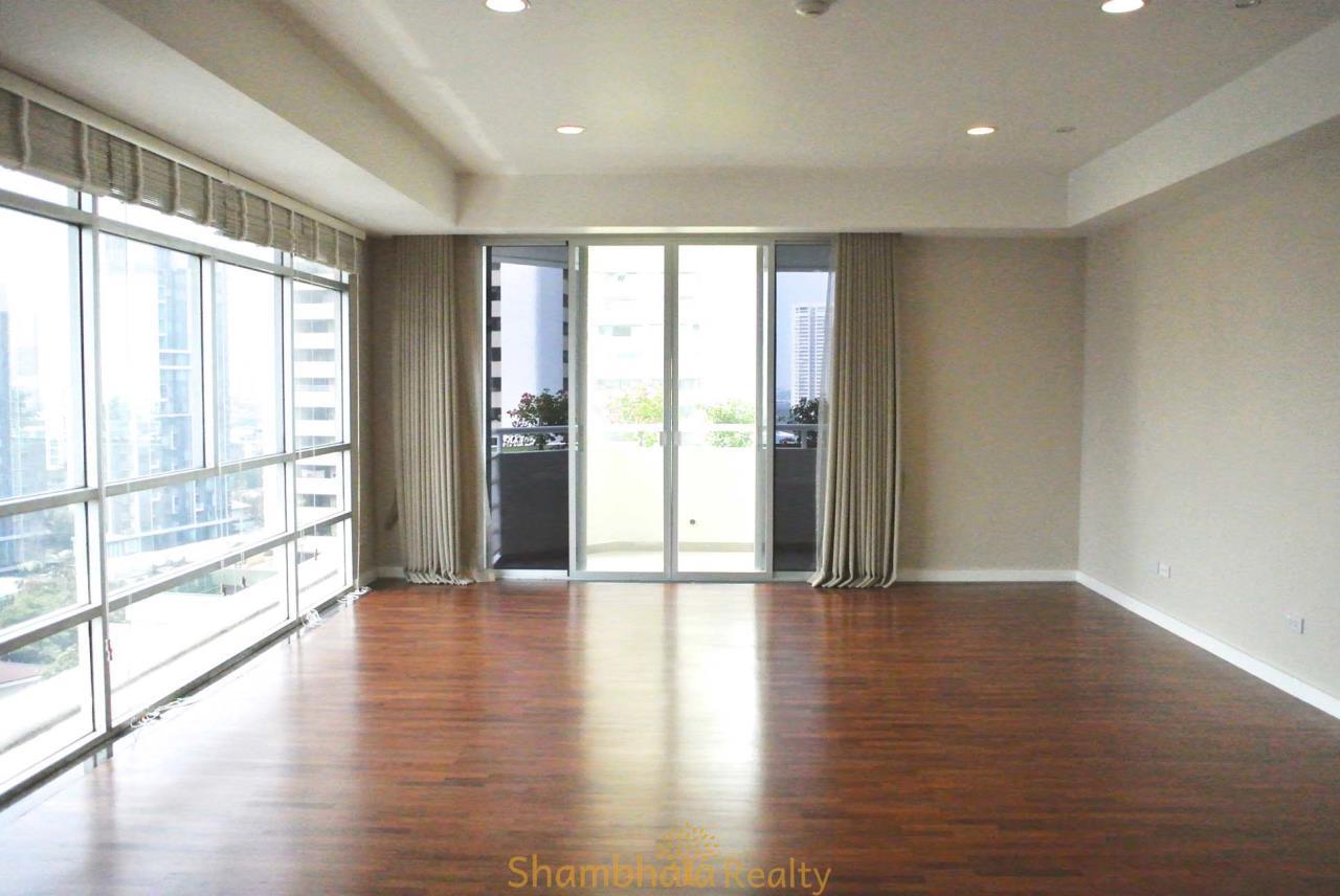 Shambhala Realty Agency's La Cascade Condominium for Rent in Ekkamai 10 10