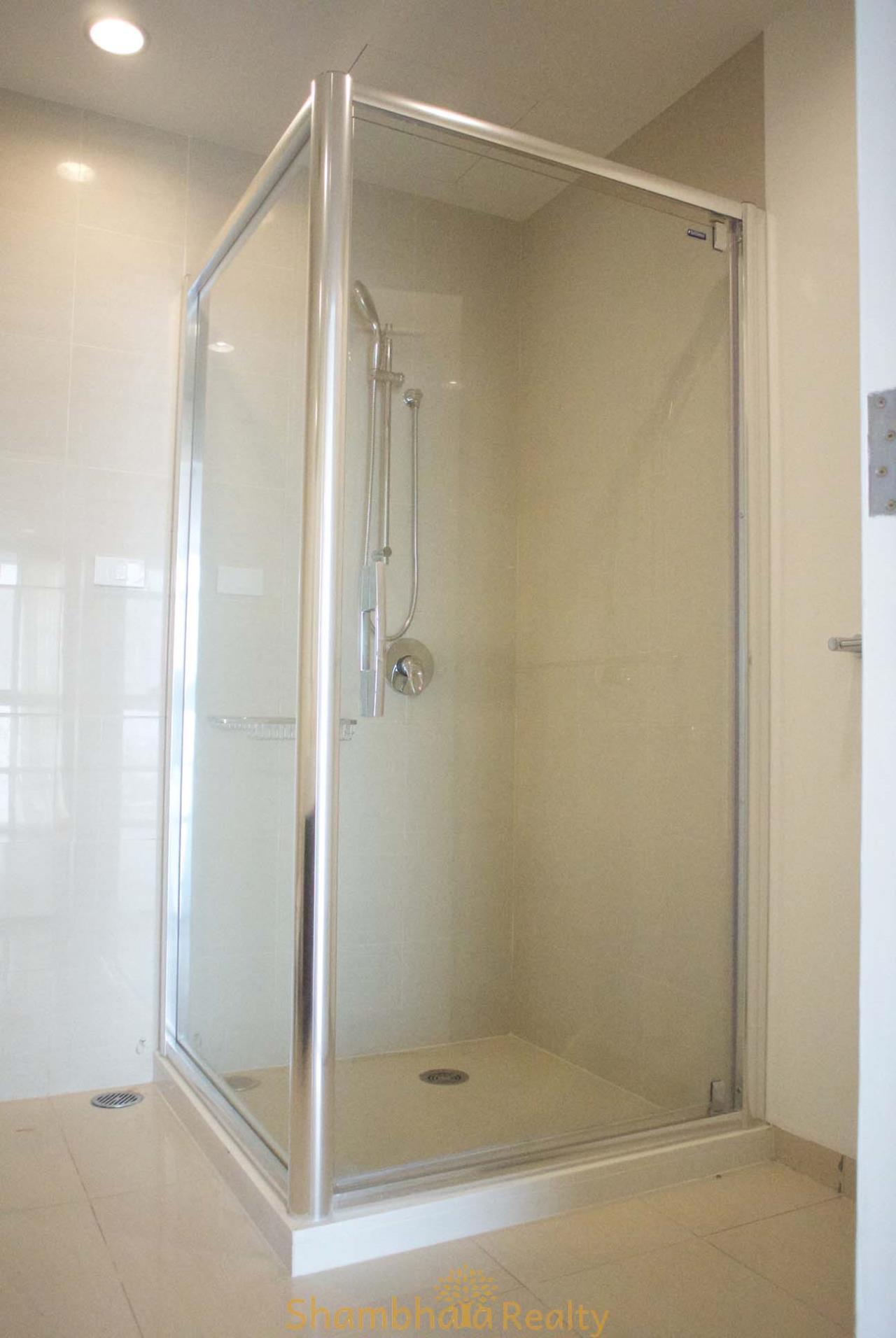 Shambhala Realty Agency's La Cascade Condominium for Rent in Ekkamai 10 21