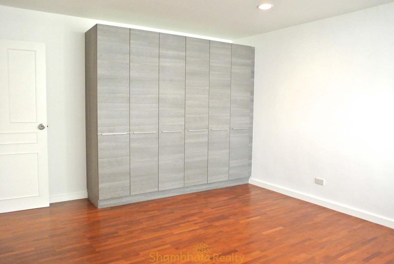 Shambhala Realty Agency's La Cascade Condominium for Rent in Ekkamai 10 27