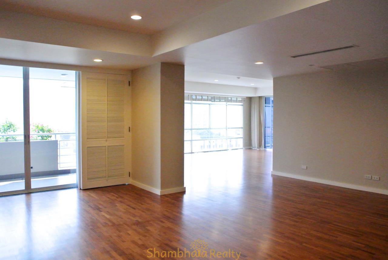 Shambhala Realty Agency's La Cascade Condominium for Rent in Ekkamai 10 13