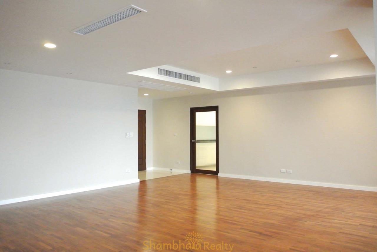 Shambhala Realty Agency's La Cascade Condominium for Rent in Ekkamai 10 7