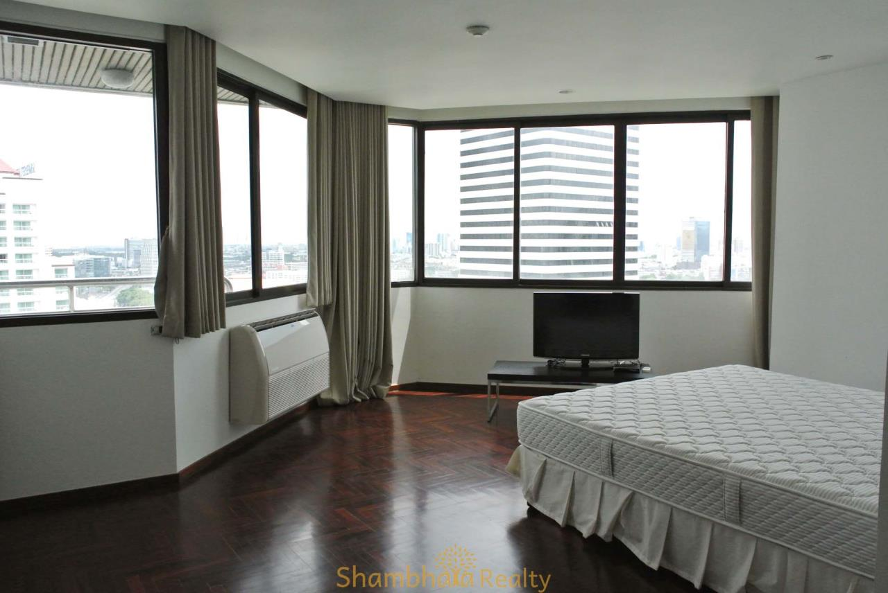 Shambhala Realty Agency's Lake Avenue Condominium for Rent in Sukhumvit 16 19