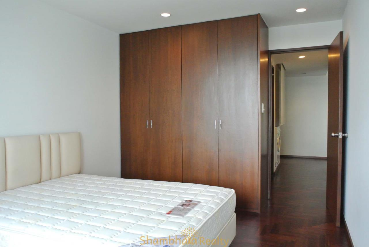 Shambhala Realty Agency's Lake Avenue Condominium for Rent in Sukhumvit 16 10