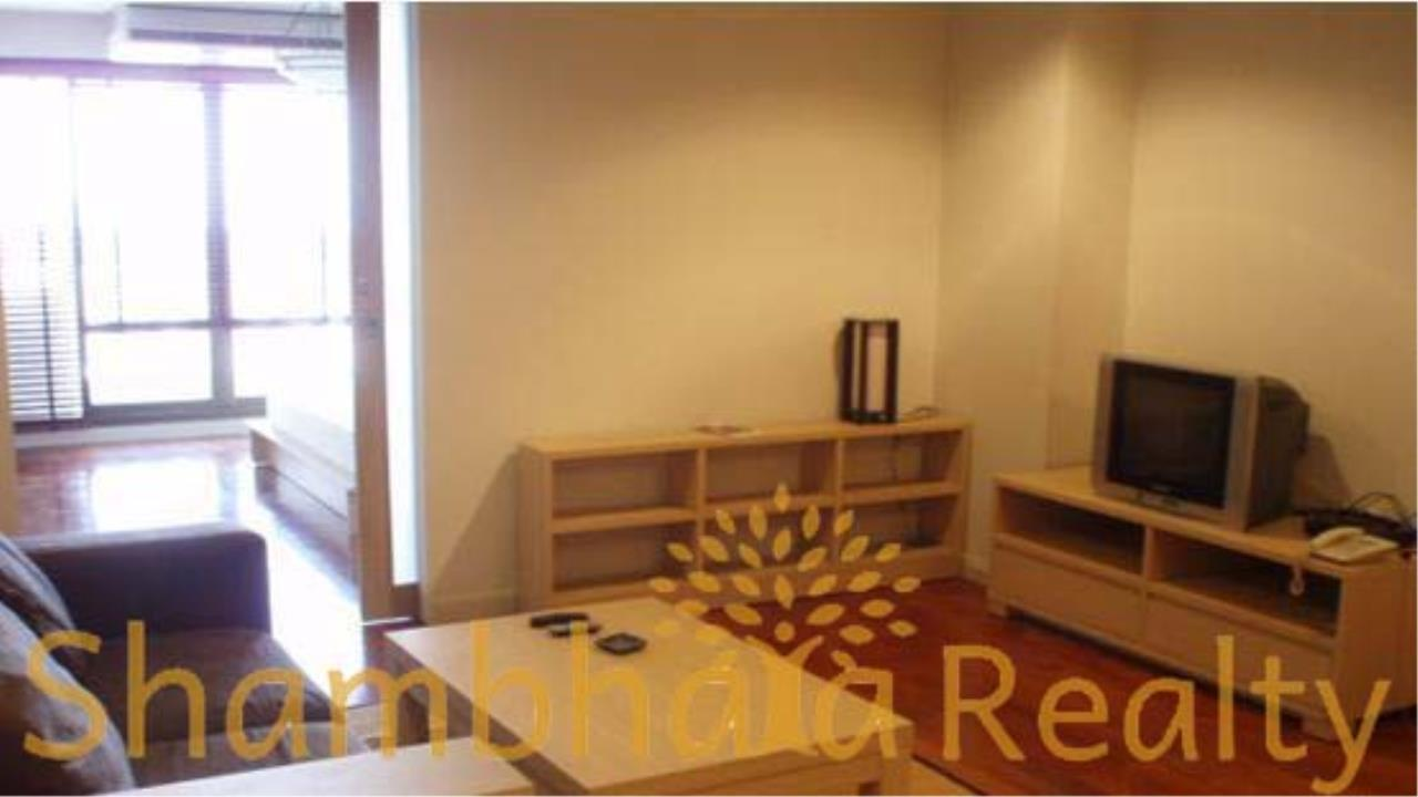 Shambhala Realty Agency's State Tower Condominium for Rent in Silom Area 4