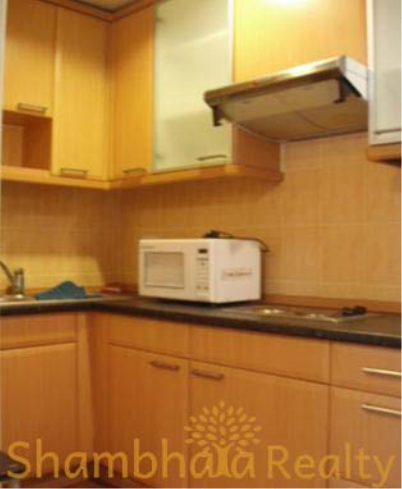 Shambhala Realty Agency's State Tower Condominium for Rent in Silom Area 2