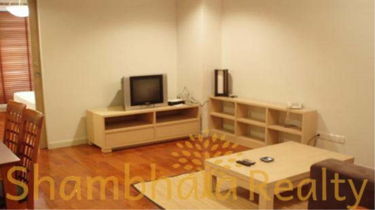 Shambhala Realty Agency's State Tower Condominium for Rent in Silom Area 6