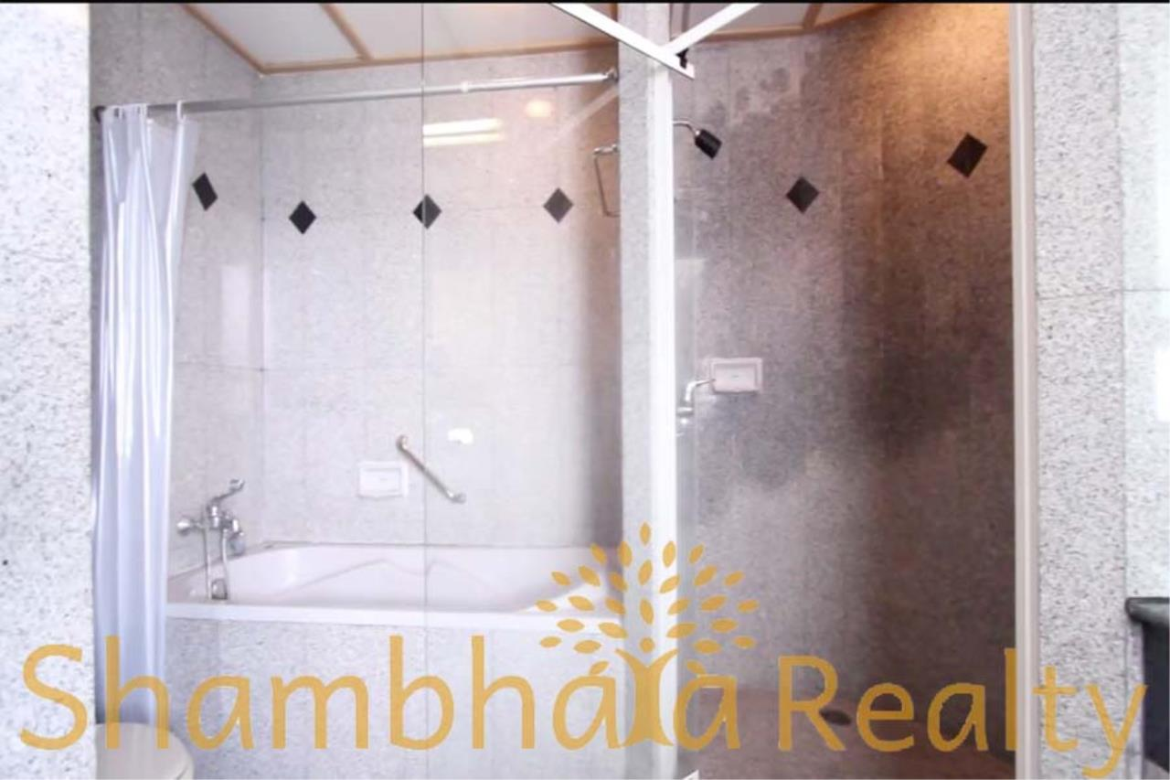Shambhala Realty Agency's Chareonchai Place Condominium for Rent in Ekkamai 12 9