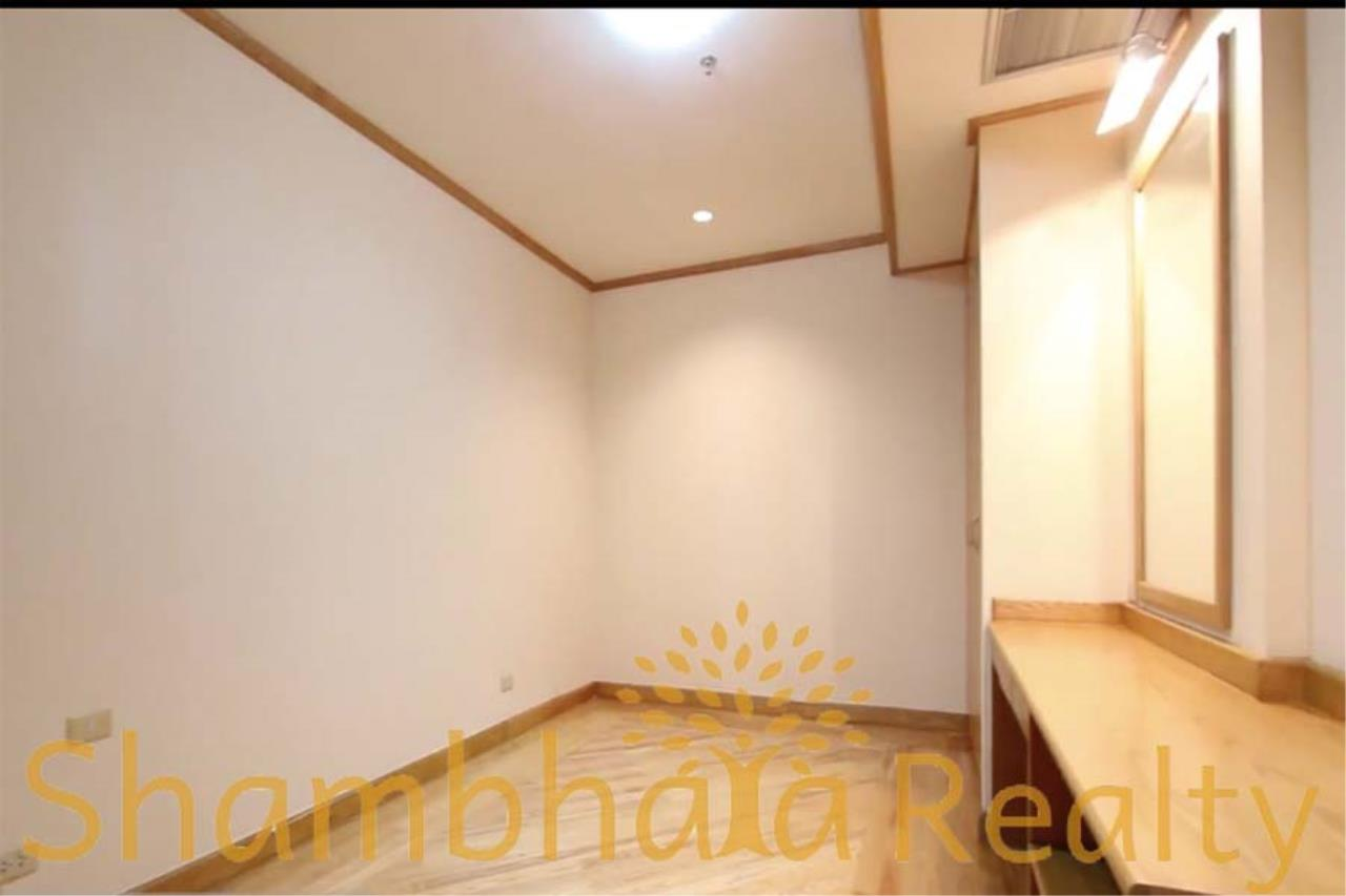Shambhala Realty Agency's Chareonchai Place Condominium for Rent in Ekkamai 12 5