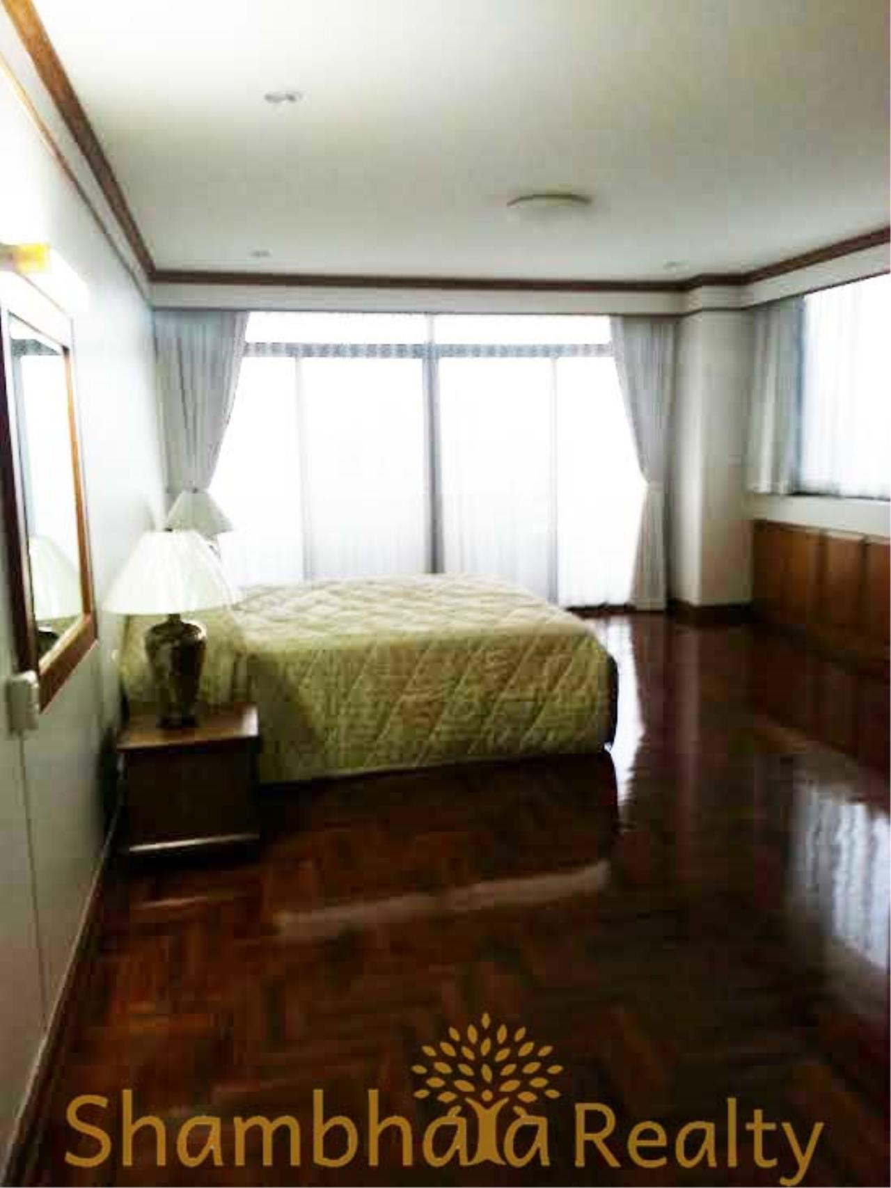 Shambhala Realty Agency's Ruamsuk Condominium for Rent in Sukhumvit 26 7