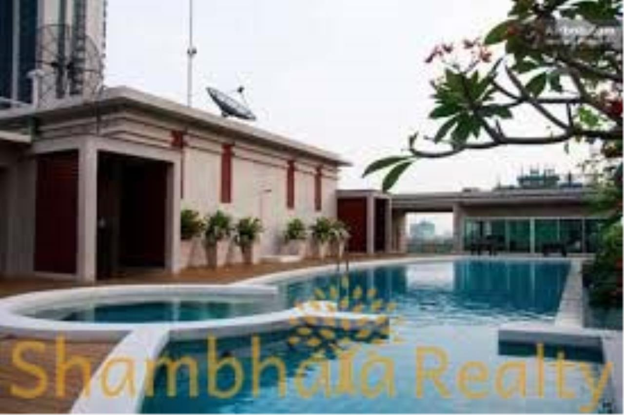 Shambhala Realty Agency's Von Napa Sukhumvit 38 Condominium for Rent in Sukhumvit 38 2
