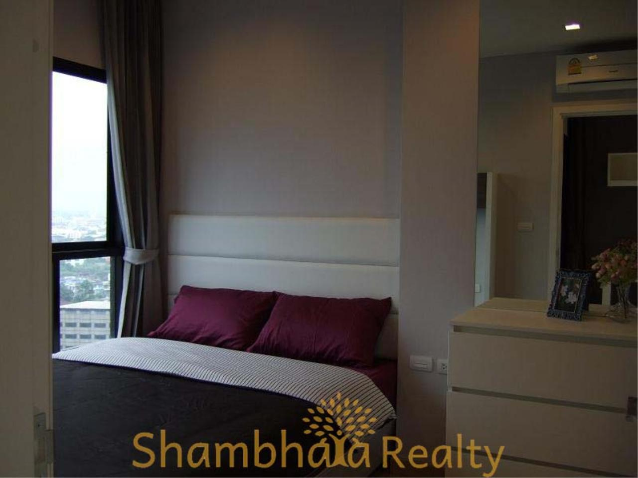 Shambhala Realty Agency's Urbano Absolute Sathon Taksin Condominium for Rent in Krung Thonburi 3