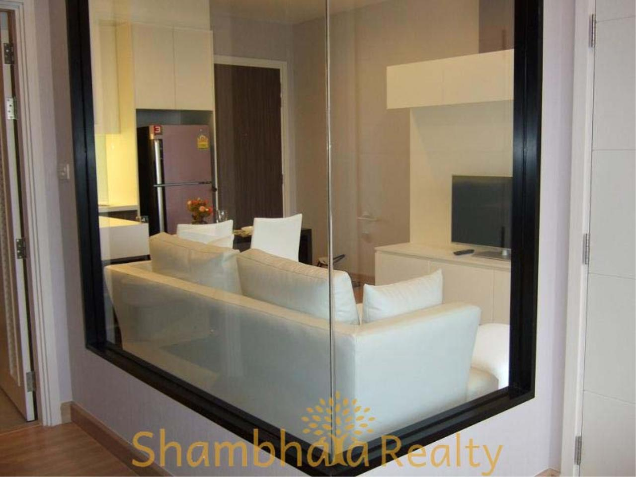 Shambhala Realty Agency's Urbano Absolute Sathon Taksin Condominium for Rent in Krung Thonburi 4