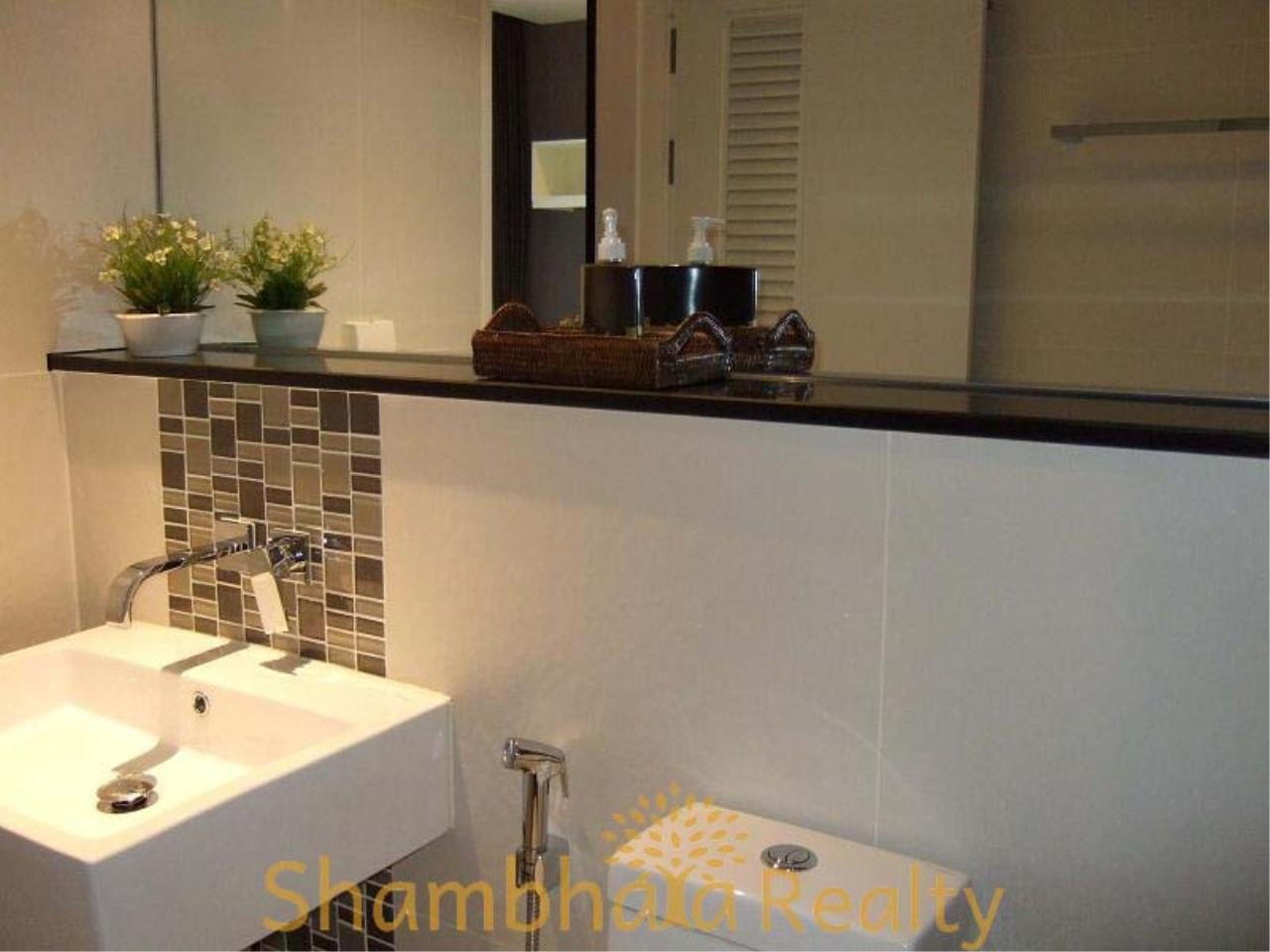 Shambhala Realty Agency's Urbano Absolute Sathon Taksin Condominium for Rent in Krung Thonburi 5